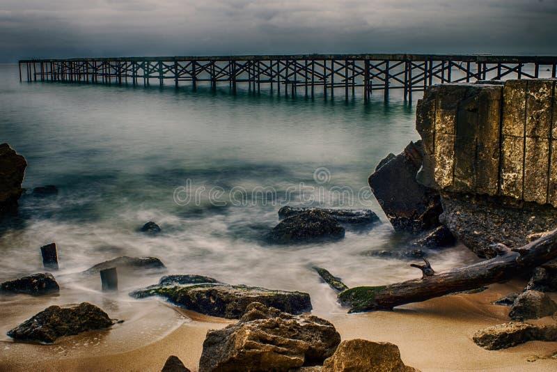 Brug op het overzees in Varna stock fotografie