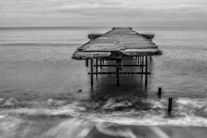 Brug op het overzees in Varna royalty-vrije stock foto