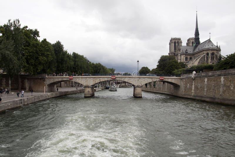 Brug in Parijs, Frankrijk stock afbeeldingen