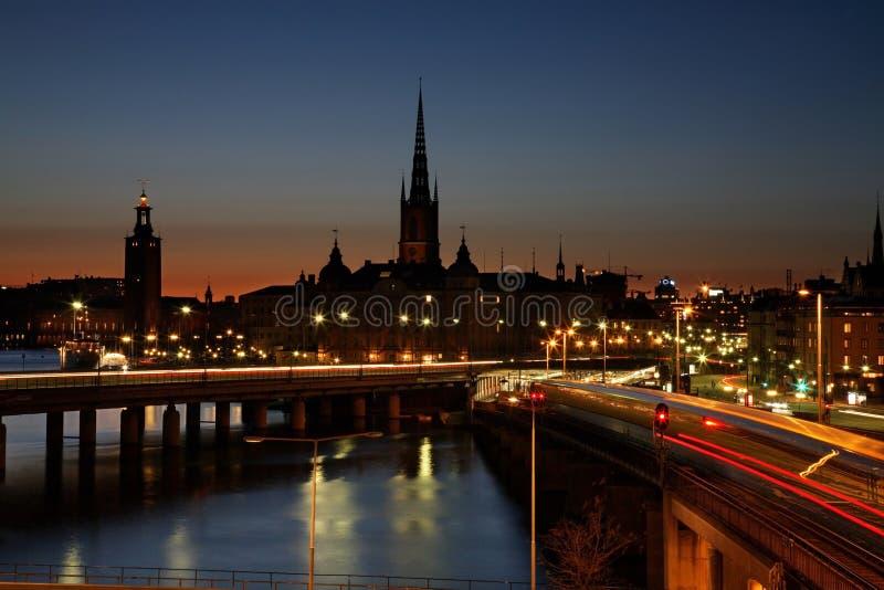 Brug in Stockholm avond zweden stock foto