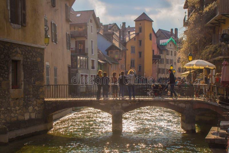 Brug in van de binnenstad van Annecy, Haute-Savoie, Frankrijk royalty-vrije stock foto