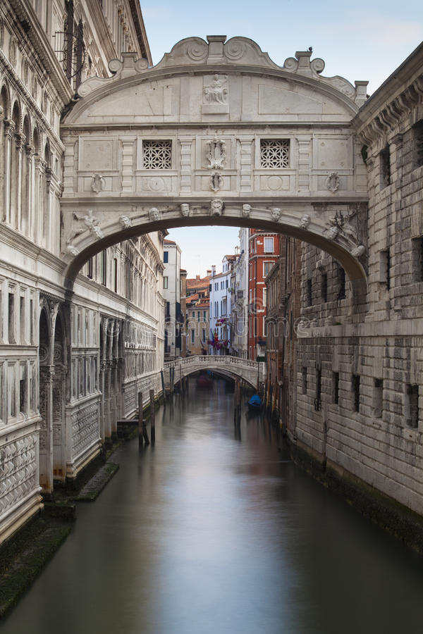 Brug van Sighs Venetië stock afbeelding