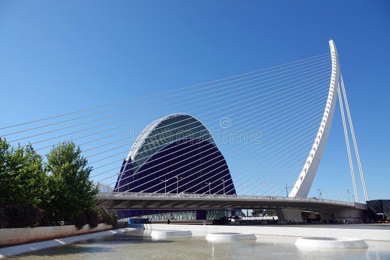 Brug van Stad van Kunsten en Wetenschappen in Valencia, Spanje stock foto