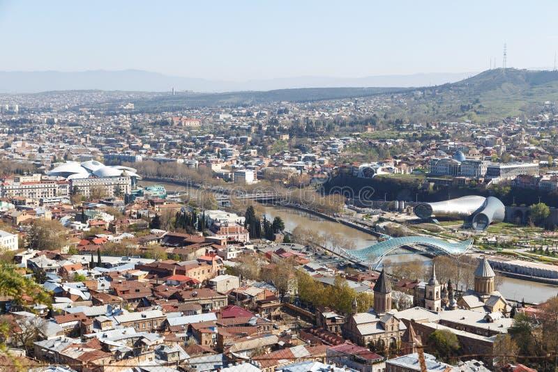 Brug van Vrede in Tbilisi, hoogste mening stock fotografie
