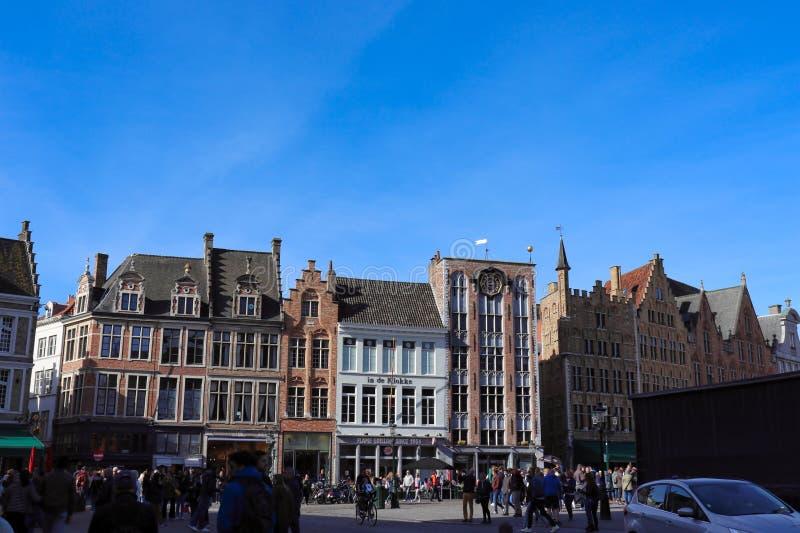 Bruges, Belgia, Europa; Wrzesień, 29th, 2018, linia horyzontu centrum miasta fotografia royalty free
