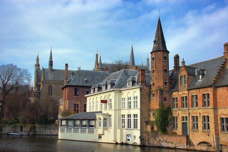 Bruges, Bruges, vista del canale. immagine stock libera da diritti
