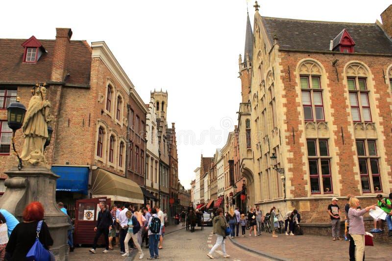 Bruges historisk stadsgata royaltyfri foto