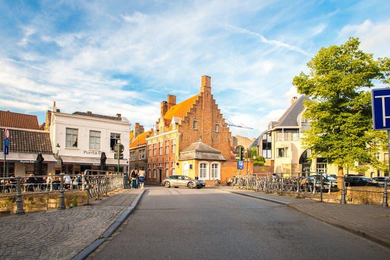 Bruges i afton arkivbilder