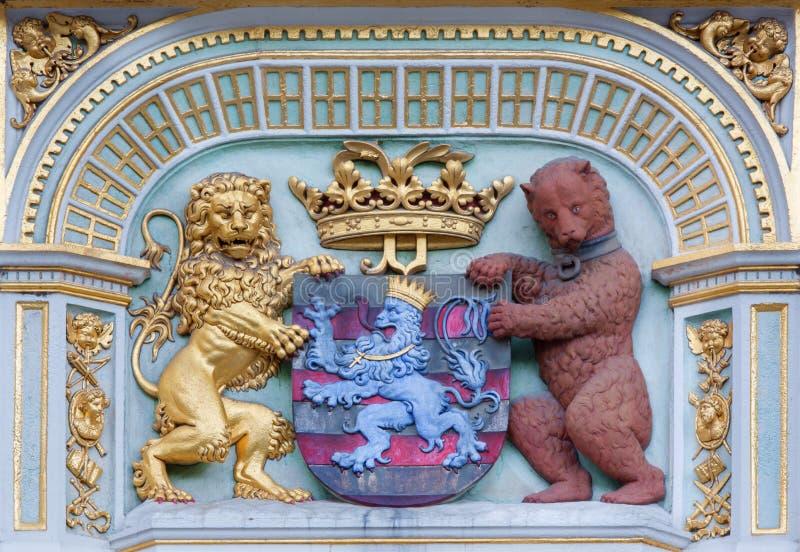 Bruges - l'héraldique de la ville Bruges de la maison sur la place de Burg photos libres de droits