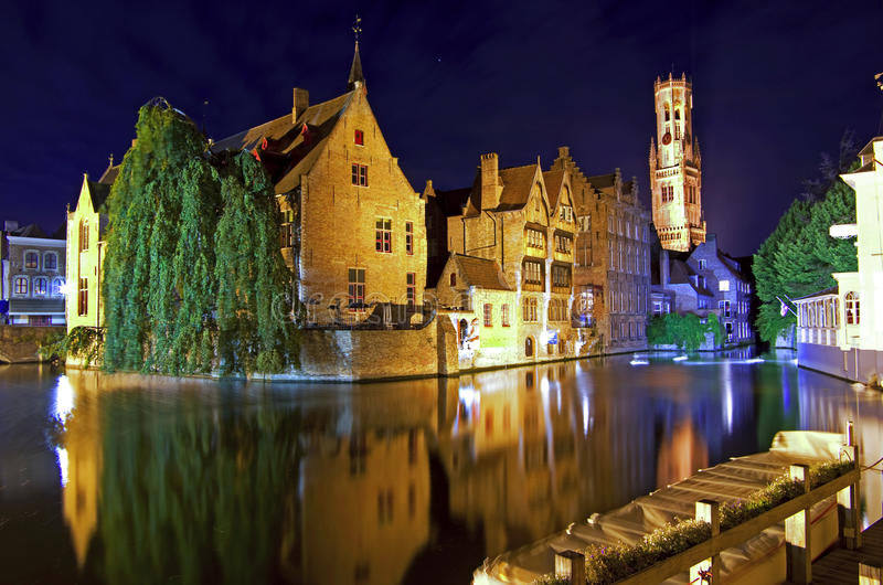 Bruges przy nocą obrazy stock