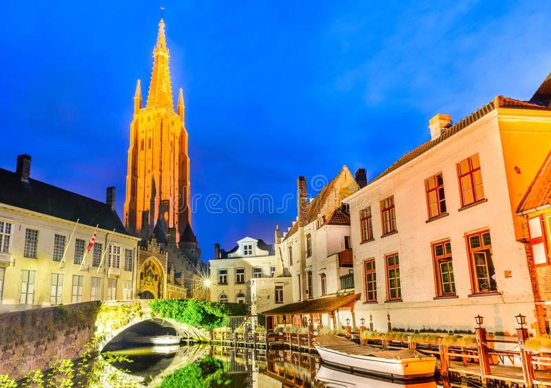 Brugge, België - Kerk van Onze Dame stock afbeeldingen