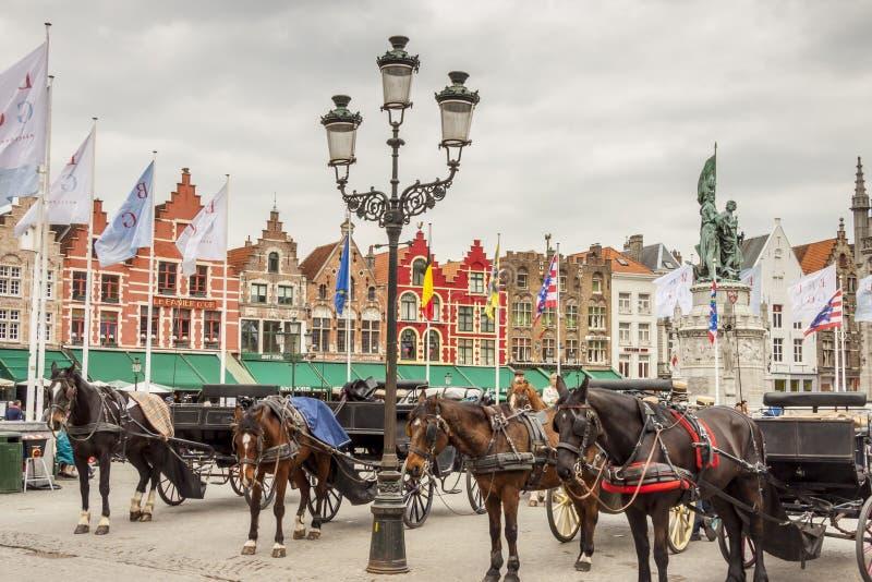 BRUGGE BELGIEN - APRIL 22: Ekipage in royaltyfria bilder