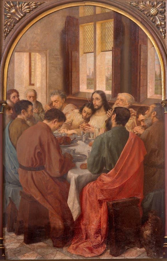 BRUGGE BELGIEN - JUNI 13, 2014: Den sista kvällsmålet av Kristus av Van Heary (1865) i St Giles royaltyfri bild