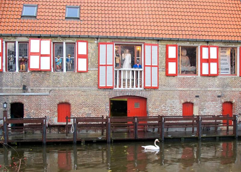 Brugge/Belgien Tegelstenfasadbyggnad arkivfoto