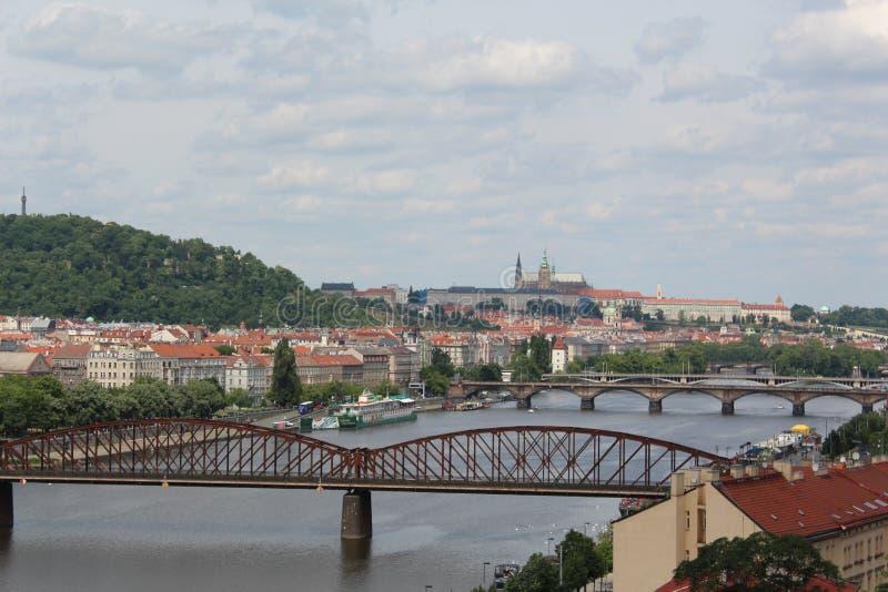 Bruggen over Vltava-rivier, Praag, Tsjechische Republiek royalty-vrije stock afbeeldingen