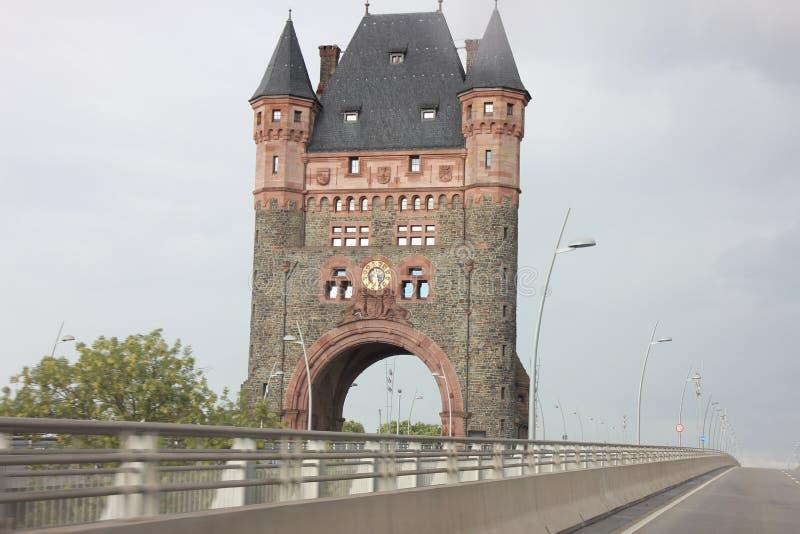 Brugtoren in Wormen, Duitsland royalty-vrije stock afbeeldingen