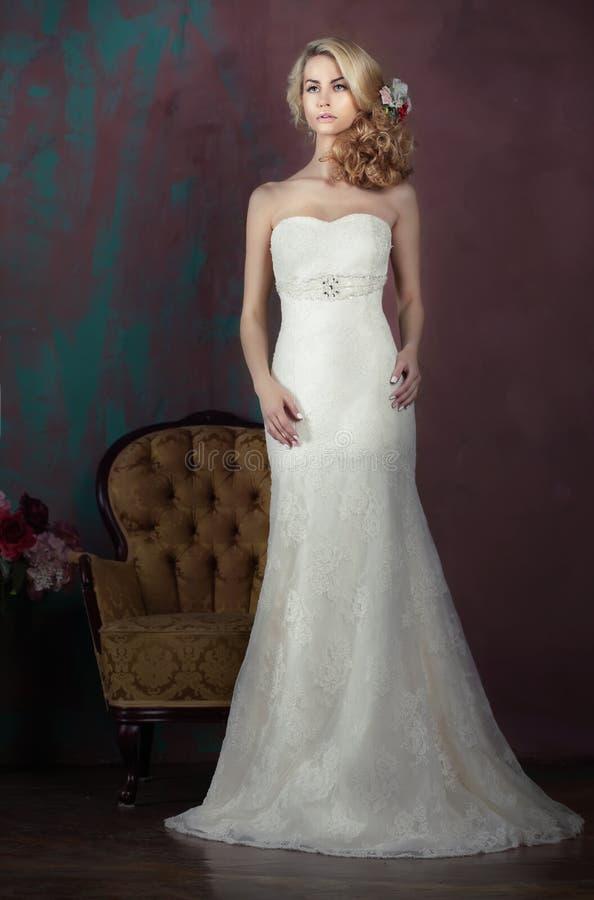 Bruid in de volledige groei stock fotografie