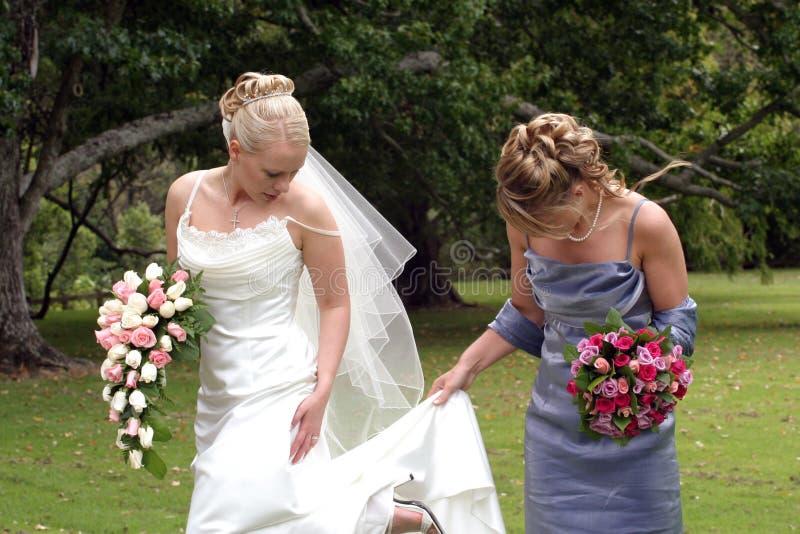 Bruid en Bruidsmeisje royalty-vrije stock afbeelding
