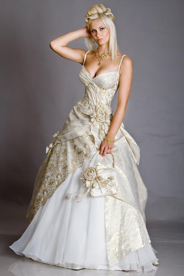 Bruid in kleding stock afbeeldingen
