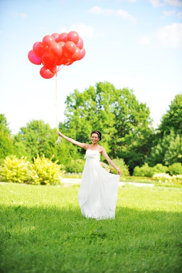 Bruid met ballons