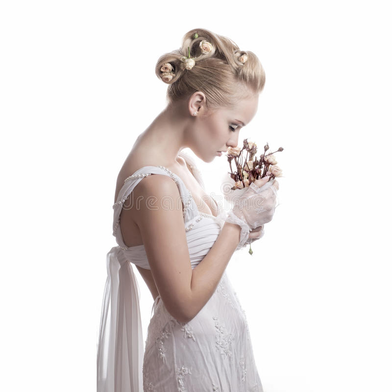 Bruid met droge bloemen royalty-vrije stock fotografie