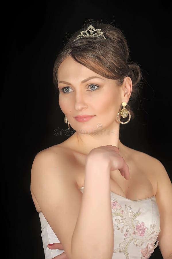 Bruid met tiara royalty-vrije stock afbeeldingen