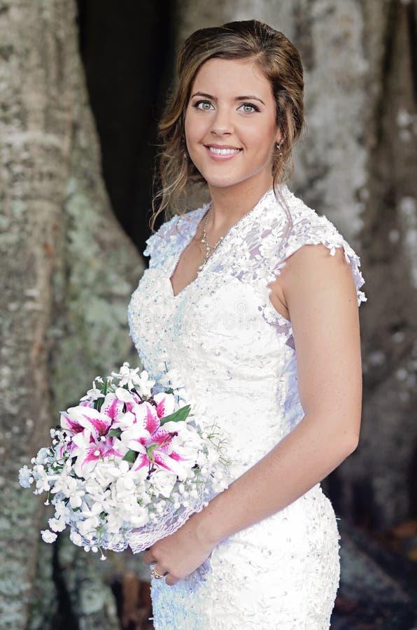 Bruidportret in openlucht royalty-vrije stock foto