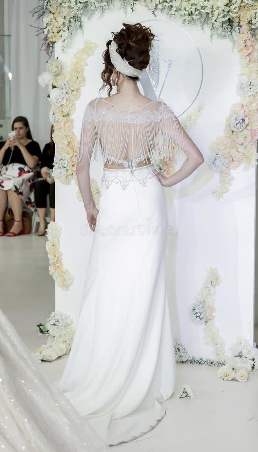 Bruids Julie Vino FW18 stock fotografie