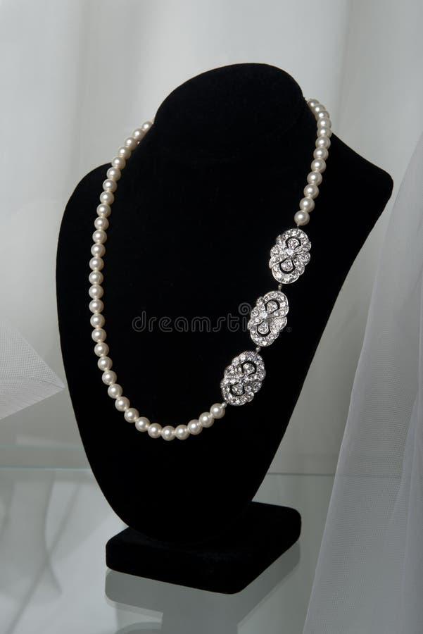 Bruids juwelen stock afbeeldingen