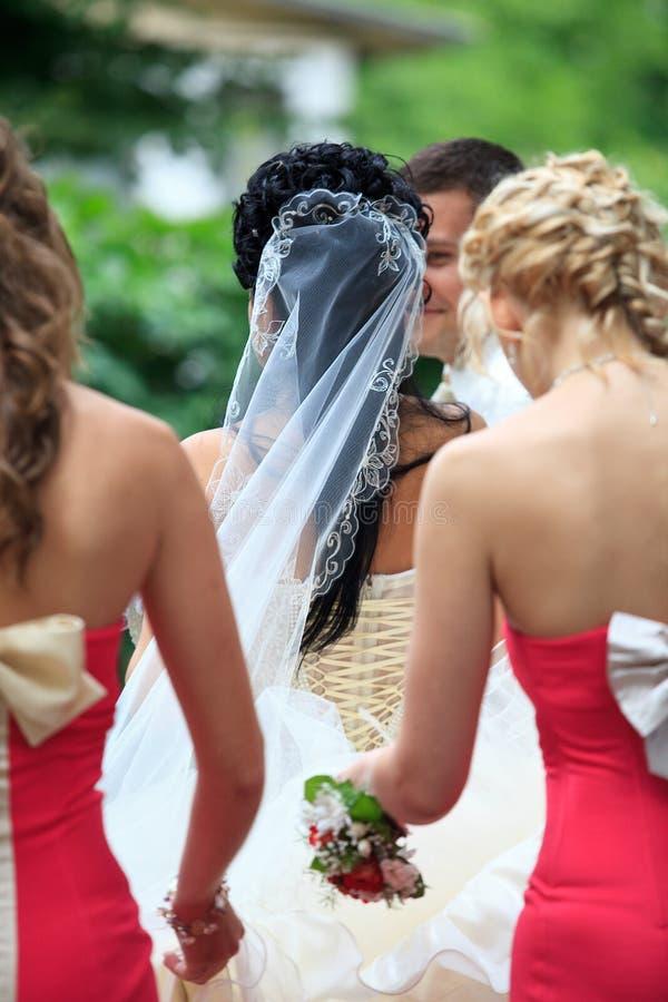 Bruidsmeisjes met bruid royalty-vrije stock afbeelding