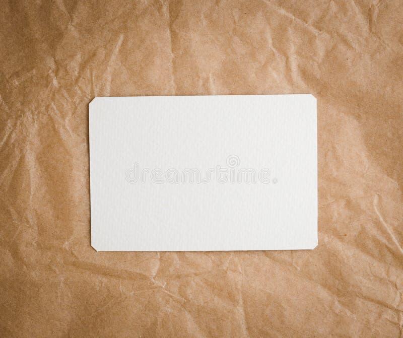 Bruin ambachtdocument met een lege markering royalty-vrije stock afbeeldingen