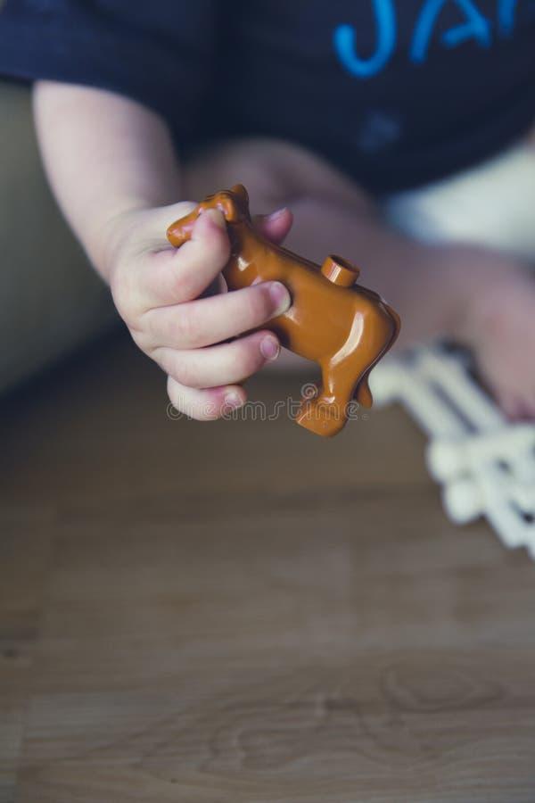 Bruin Plastic Stuk Speelgoed Gratis Openbaar Domein Cc0 Beeld