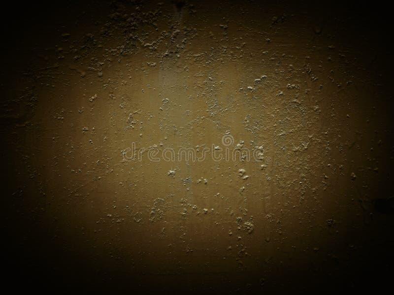 Bruine donkere geschilderde gekleurde textuur met krassen, groeven en vlekken, roest het bevlekken De achtergrond van het barsten stock foto