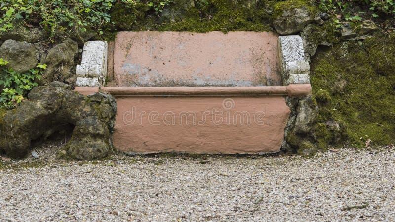 Bruine steenbank stock afbeeldingen
