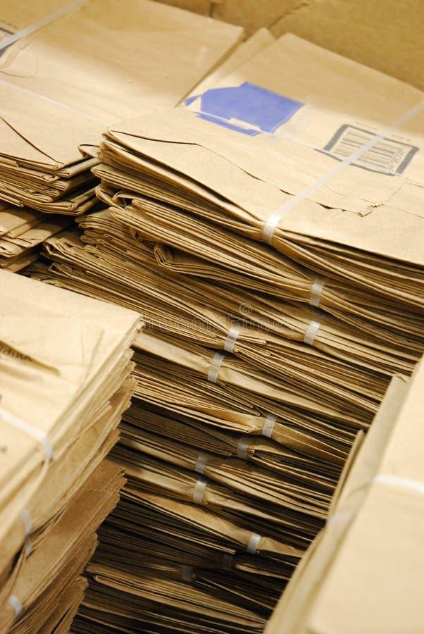 Bruine zakken voor kruidenierswinkels stock foto's