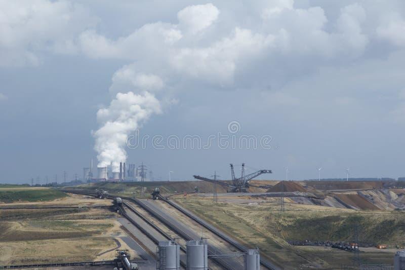 Bruinkool bovengrondse mijnbouw 02 stock fotografie