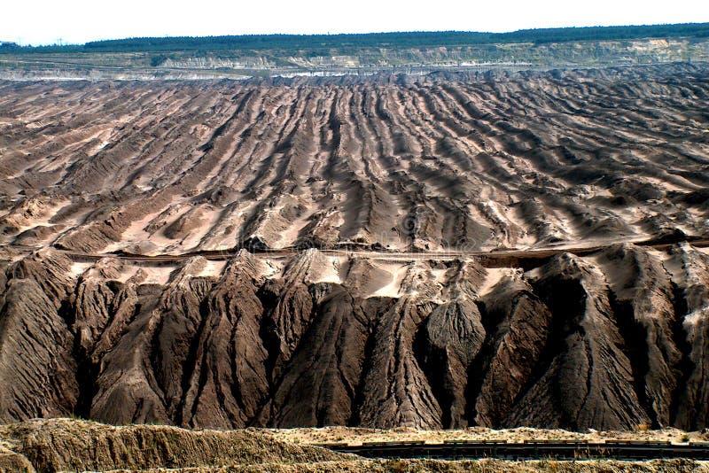 Download Bruinkoolmijn stock afbeelding. Afbeelding bestaande uit steenkool - 28779