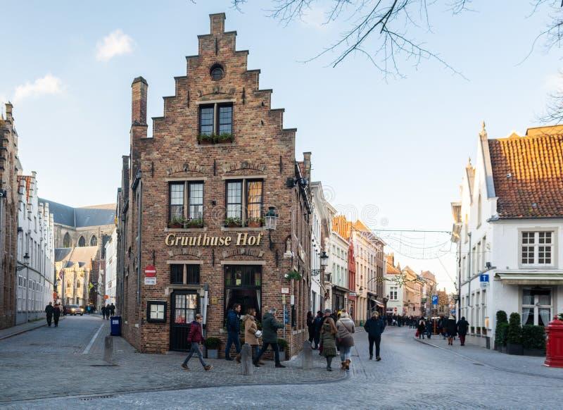 Brujas, Flandes Occidental Bélgica - diciembre de 2018: paisaje urbano medieval de la ciudad imágenes de archivo libres de regalías