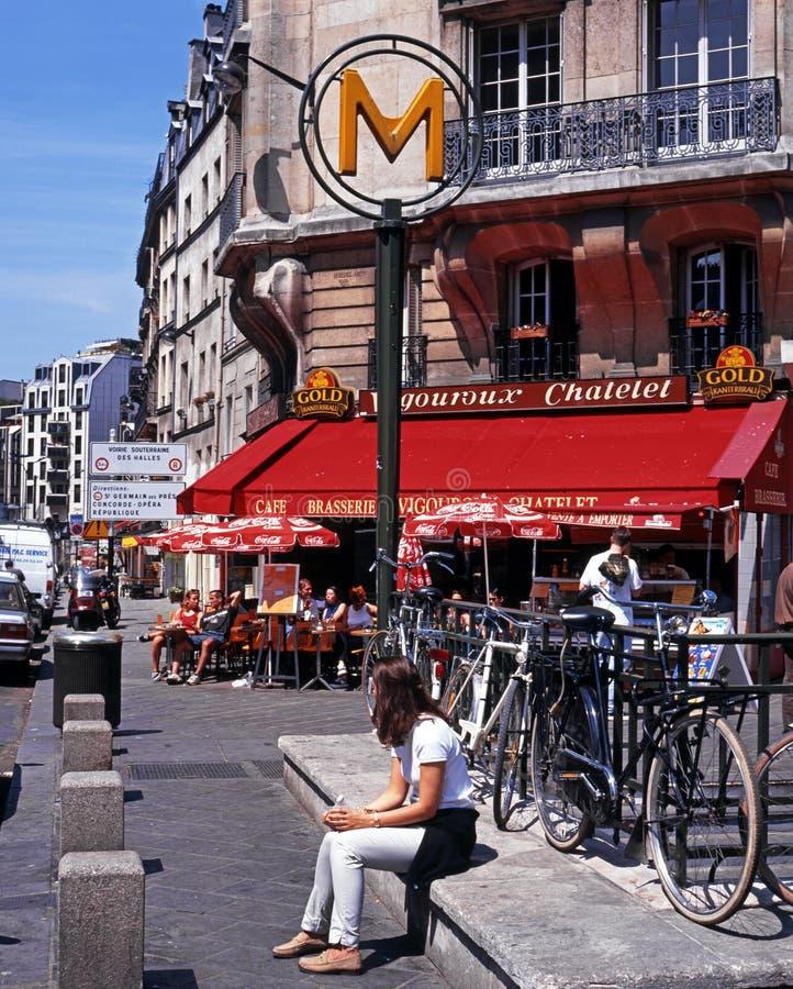 Bruk kawiarnia, Paryż zdjęcie royalty free