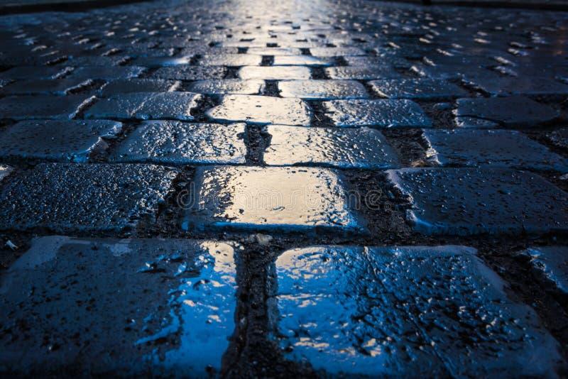 Brukowiec ścieżki zbliżenia tekstury postępu Popołudniowi Błękitni cele W fotografia royalty free