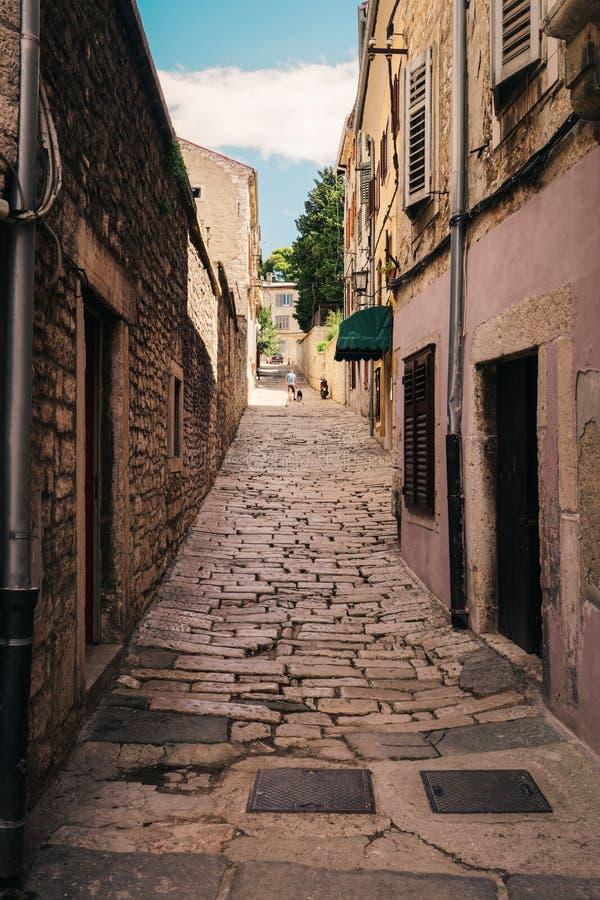 Brukowiec ulica w Pula Chorwacja obrazy royalty free