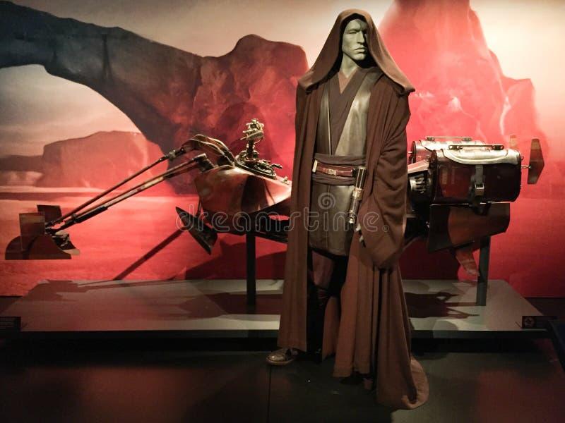 Bruksela / Belgia - 08 21 2018 : Kostium Anakina Skywalkera i wystawa tożsamości gwiazd samochodów obrazy stock