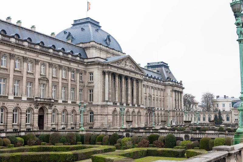 Bruksela/Belgium-01 02 19: Pałac królewski w Bruksela na deszczowym dniu obrazy stock