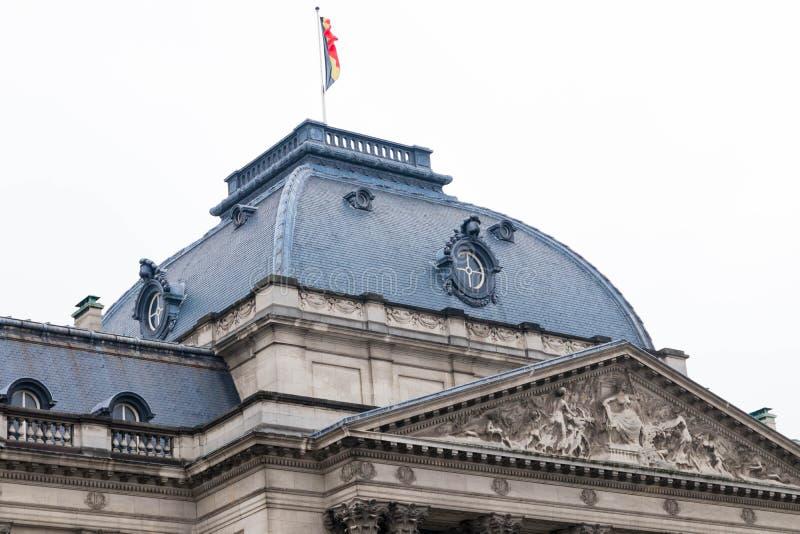 Bruksela/Belgium-01 02 19: Pałac królewski w Bruksela na deszczowym dniu zdjęcie royalty free