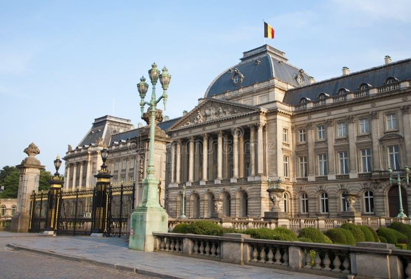 Bruksela - w wieczór Pałac Królewski fotografia stock