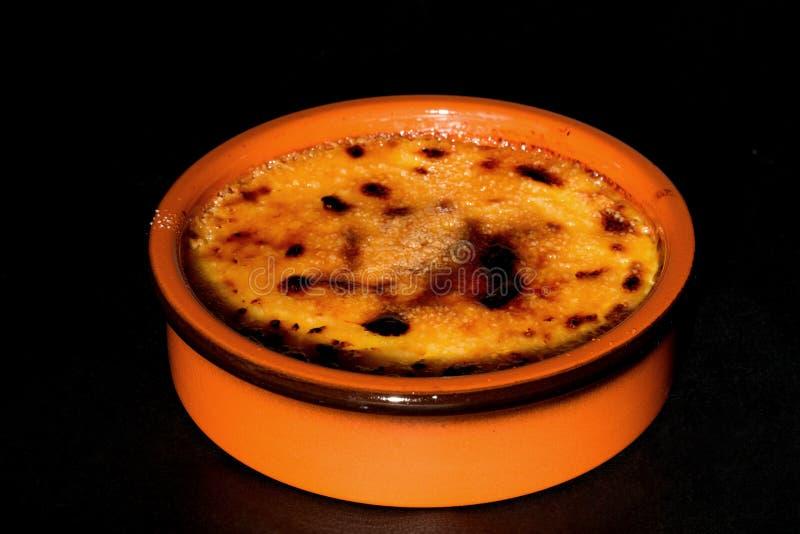 brulee caramelised övre traditionell vanilj för kräm- socker för krämefterrätt franskt arkivfoto