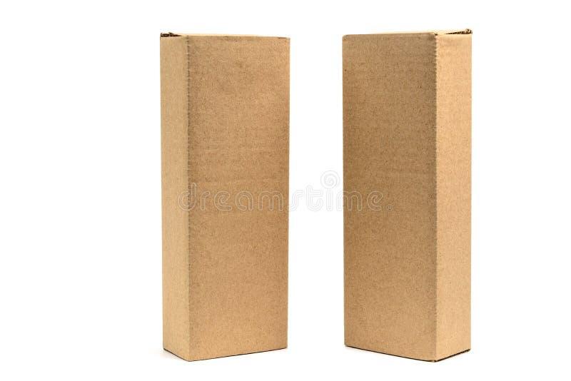 Brun kartong för två packe för långa objekt Modell som isoleras fotografering för bildbyråer