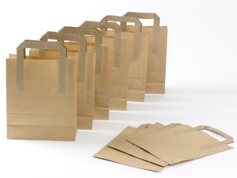 brun shopping för påsar arkivbilder