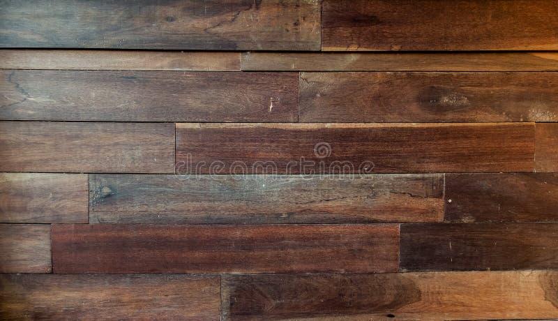 Brun Wood panel med ljus skuggabakgrundstextur för möblemangmaterial arkivfoton