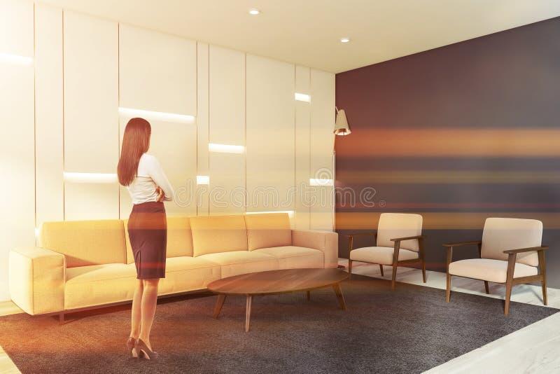 Bruna in salone bianco e grigio illustrazione vettoriale